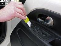 5 Alat Bantu Membersihkan Door Trim Mobil Toyota Dengan Mudah