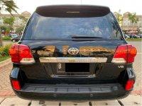 Butuh uang jual cepat Toyota Land Cruiser 2012