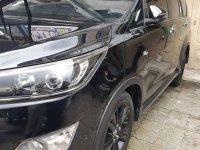 Butuh uang jual cepat Toyota Venturer 2017