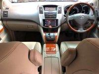Butuh uang jual cepat Toyota Harrier 2013