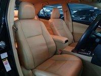 Toyota Camry 2.5 V dijual cepat