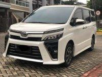Jual Toyota Voxy 2018, KM Rendah