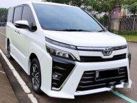 Jual Toyota Voxy CVT harga baik