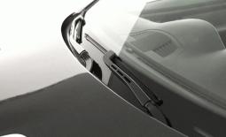 Pentingkah Mengangkat Wiper Mobil Toyota Saat Parkir?
