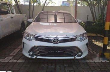 Toyota Camry V 2018 Sedan