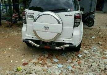 Mubil Toyota Raum Tahun. 2012