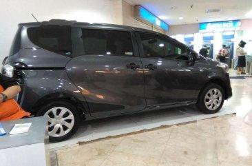 Toyota Sienta E 2018 MPV