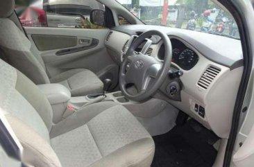 Toyota Innova G 2012