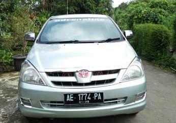 Toyota Kijang Innova tahun 2006