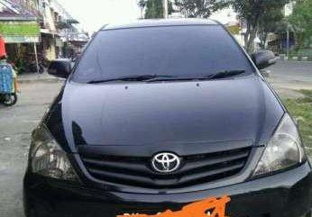Toyota Kijang Innova E 2009