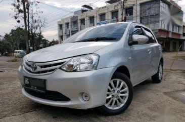 Toyota Etios Valco 1.2 E Manual 2013