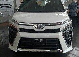 Toyota Voxy  2018 Minivan
