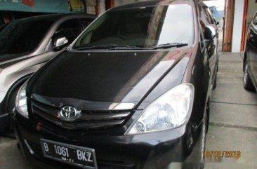 Toyota Kijang Innova G 2011