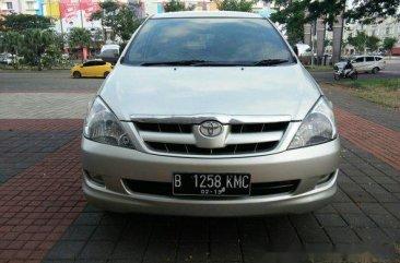 Toyota Kijang Innova G 2005