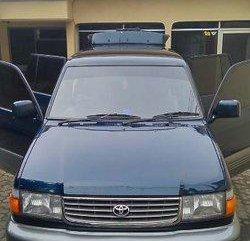 Toyota Kijang Krista 1998
