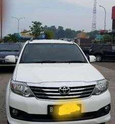 Jual mobil Toyota Fortuner G manual 2014 diesel
