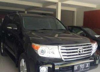 Toyota Land Cruiser VX 2012