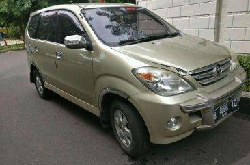 Butuh uang jual cepat Toyota Avanza 2005