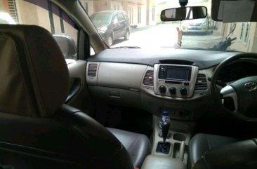 Jual Toyota Kijang Innova 2012 harga baik