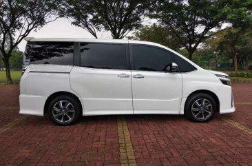 Jual Toyota Voxy 2019
