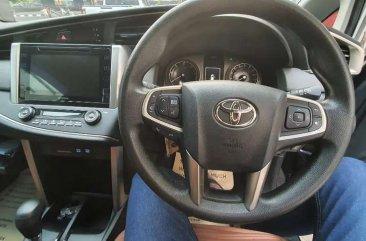 Toyota Kijang Innova V A/T Diesel dijual cepat