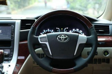 Toyota Alphard S dijual cepat